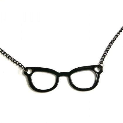 Náhrdelník černé brýle