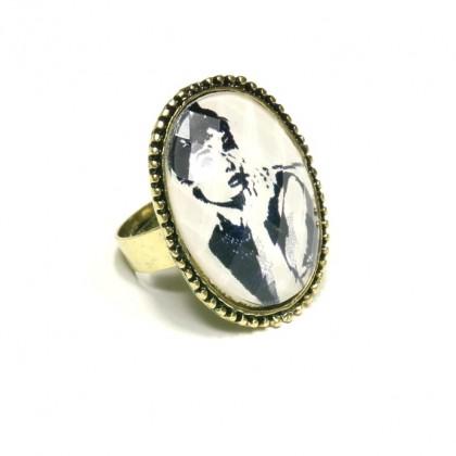 Prsten s Audrey Hepburn
