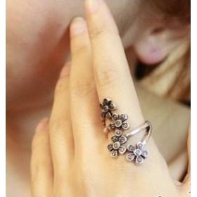 Vintage prsten se čtyřmi květy - zlatý